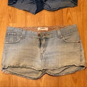 Levi's Slouch Shorts size 17